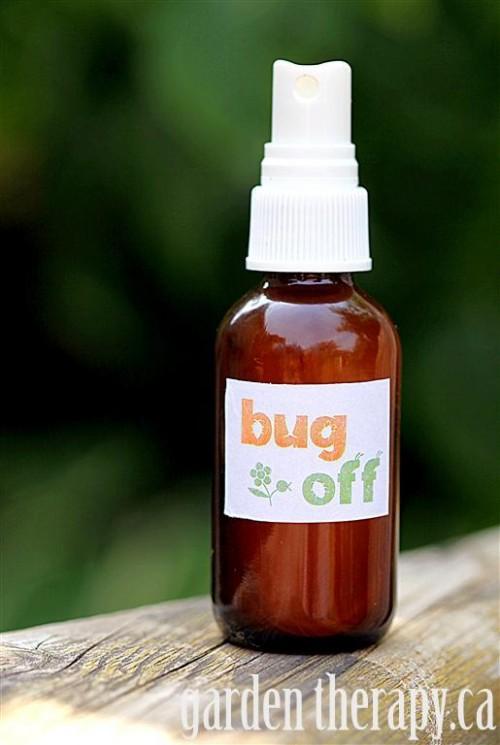 essential oils bug spray (via gardentherapy)
