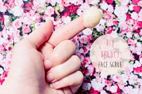 almond and honey face scrub (via styleoholic)