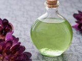all-natural-diy-massage-oil-with-vitamins-1