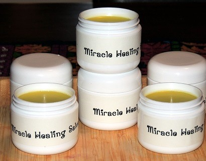 coconut, olive oil and beeswax salve (via backdoorsurvival)