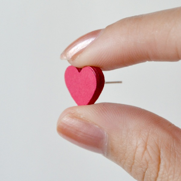 Picture Of amazing diy heart earrings from paper to make  2
