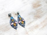 amazing-diy-j-crew-inspired-felt-jewel-earrings-5