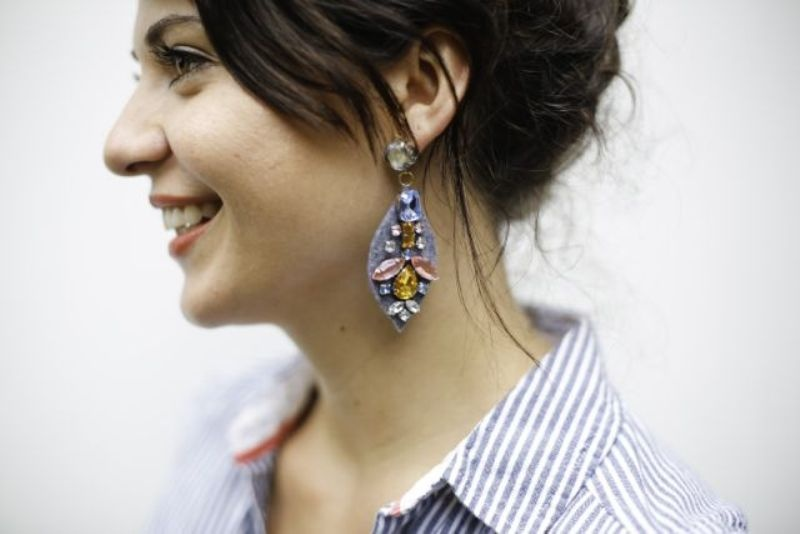 Picture Of amazing diy j crew inspired felt jewel earrings  6