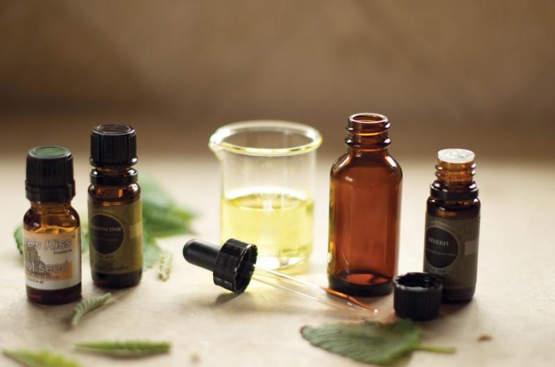 Picture Of anti aging and regenerating skin serum  2