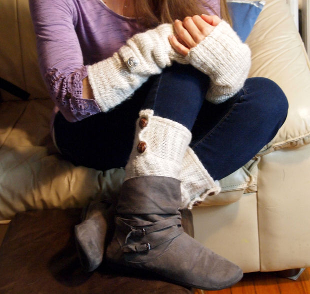 arm warmers of sweater sleeves