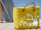 beach tote with shells