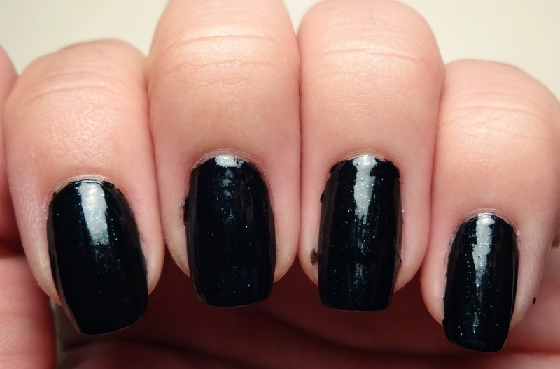 Picture Of awesome diy dark waters nail art for halloween  2