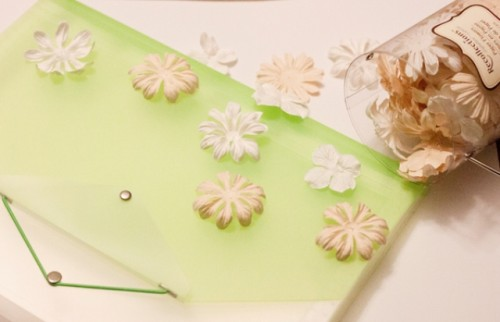 Easy DIY Flower Clutch To Welcome Spring