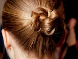 awesome-hairstyles-for-summer-frizzy-hair-days-13