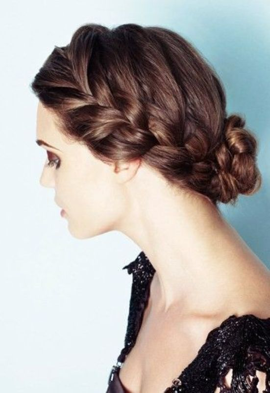 Picture Of awesome hairstyles for summer frizzy hair days  3