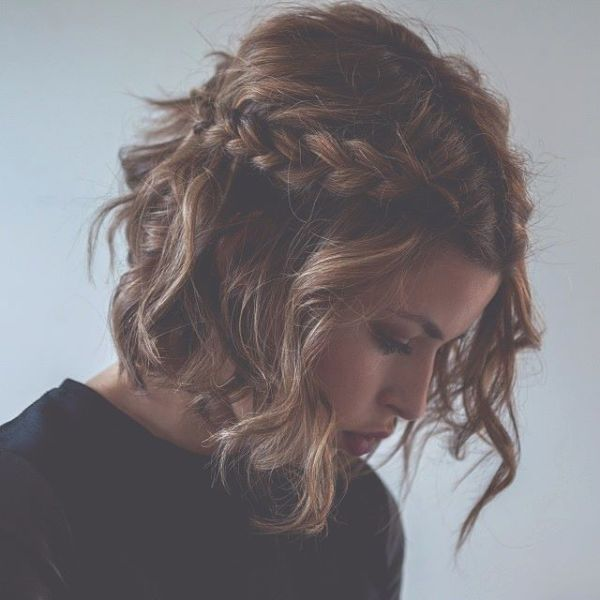 Picture Of awesome hairstyles for summer frizzy hair days  6