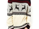 awesome-holiday-sweaters-for-every-girl-7