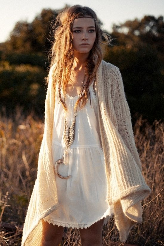 fantastic bohemian outfit for short hair