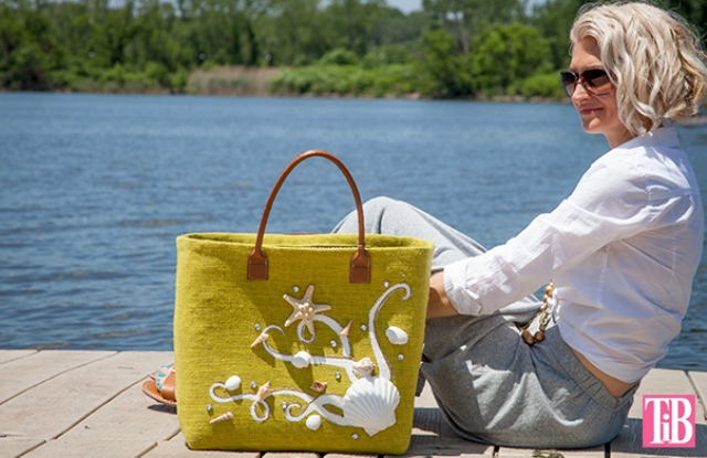 Picture Of beautiful diy beach tote with shells  5