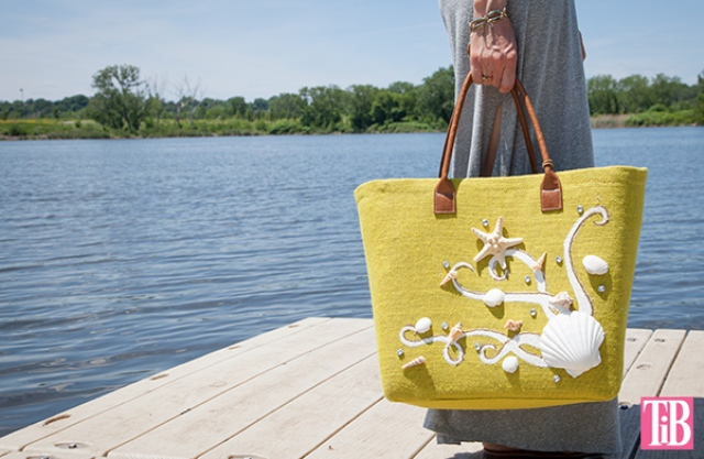 Picture Of beautiful diy beach tote with shells  6