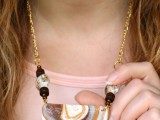 beautiful-diy-faux-agate-polymer-clay-necklace-1