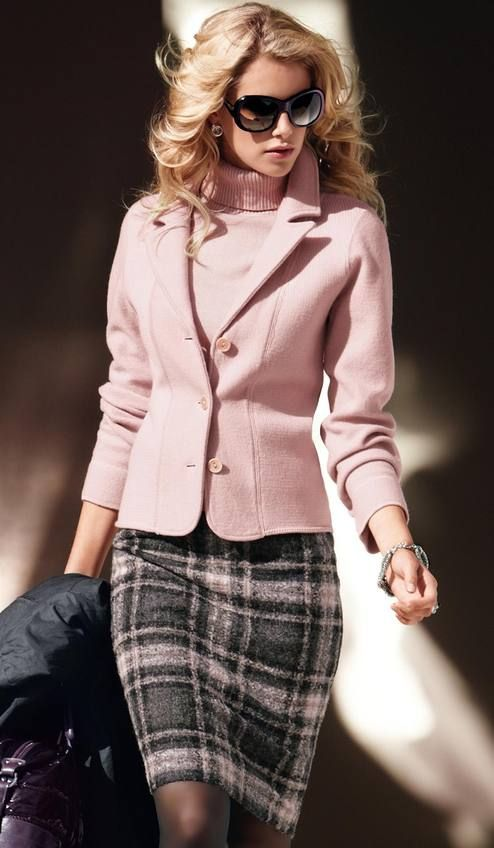 Picture Of beautiful pink work outfits for girls  2