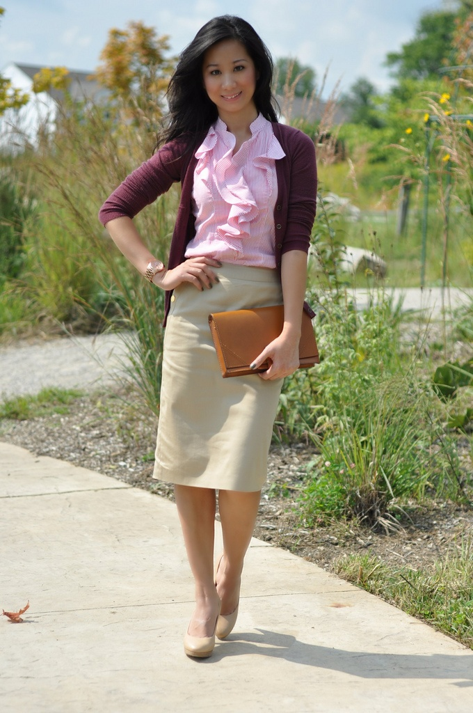 Picture Of beautiful pink work outfits for girls  8