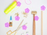 bright-and-easy-to-make-jewelry-display-2