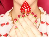 bright-and-perfect-for-summer-diy-strawberry-nail-art-2