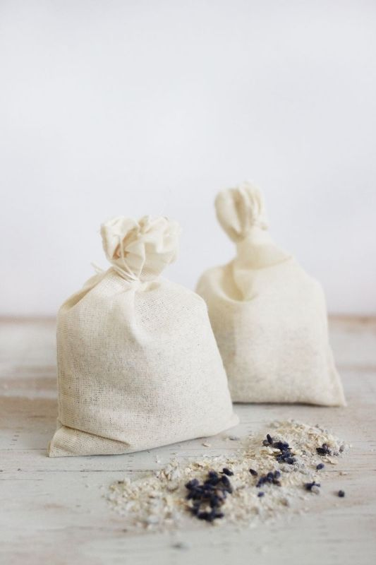 Picture Of calming and pleasing diy oatmeal and lavender bath soak  5