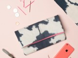 casual-diy-ink-dyed-clutch-to-make-1