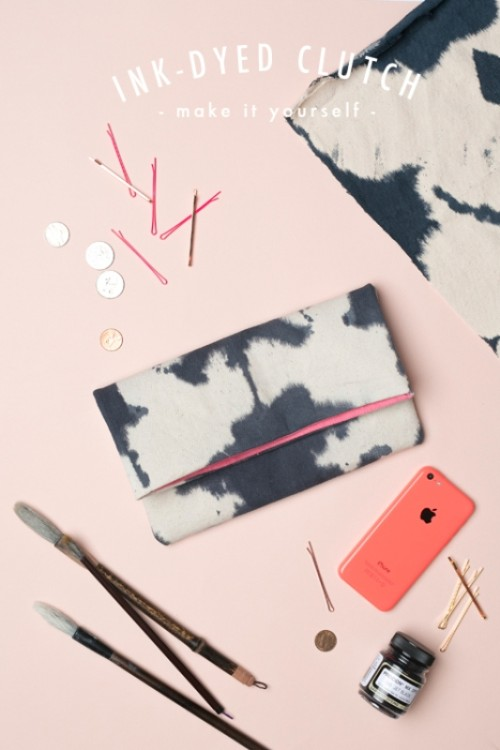 Casual DIY Ink-Dyed Clutch To Make