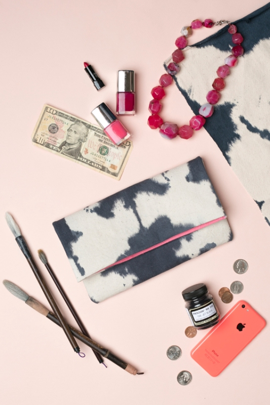 Picture Of casual diy ink dyed clutch to make  4