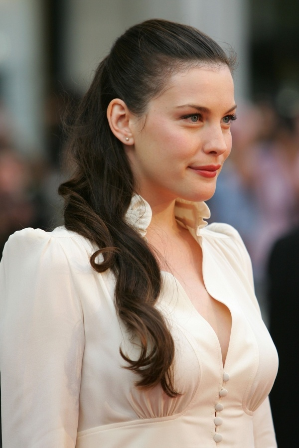 Picture Of celebrities brown hair ideas that you gonna love  30
