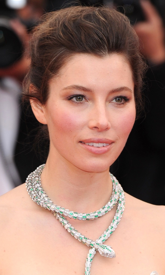 Picture Of celebrities brown hair ideas that you gonna love  4