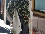 celebrities-fall-looks-with-a-scarf-10