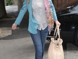 celebrities-fall-looks-with-a-scarf-13