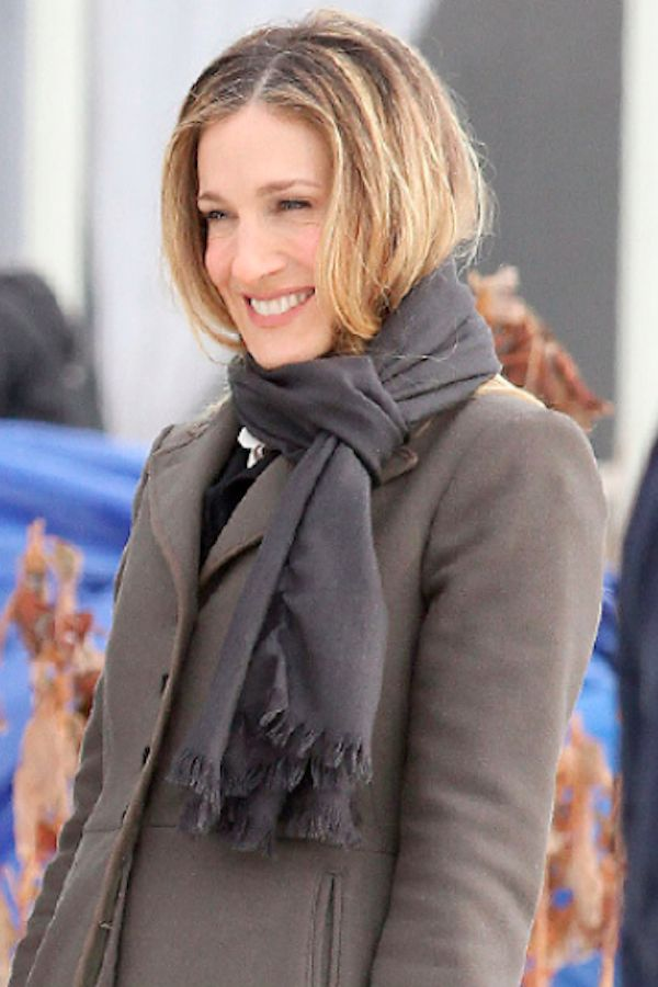 Picture Of celebrities fall looks with a scarf  16