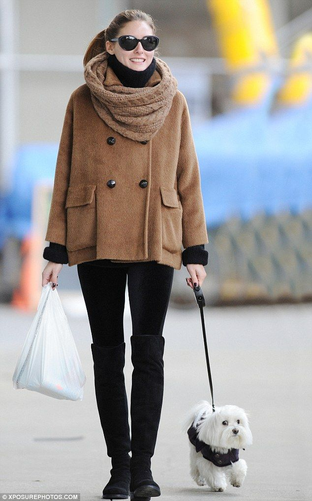 Picture Of celebrities fall looks with a scarf  17