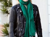 celebrities-fall-looks-with-a-scarf-2