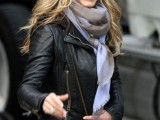 celebrities-fall-looks-with-a-scarf-9