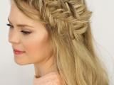 charming-diy-double-fishtail-headband-braids-to-make-1