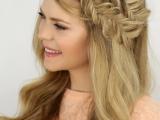 charming-diy-double-fishtail-headband-braids-to-make-2