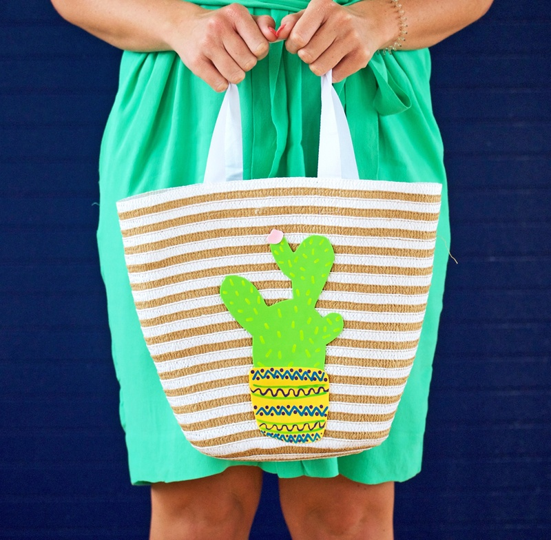 Picture Of cheerful diy cactus tote for summer  6