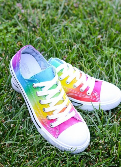Cheerful DIY Rainbow Tie-Dye Shoes