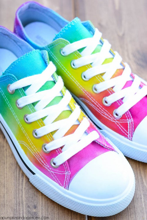 Cheerful DIY Rainbow Tie Dye Shoes