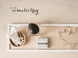 chic-and-easy-diy-golden-cosmetic-tray-1