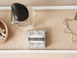 chic-and-easy-diy-golden-cosmetic-tray-4