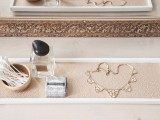 chic-and-easy-diy-golden-cosmetic-tray-7
