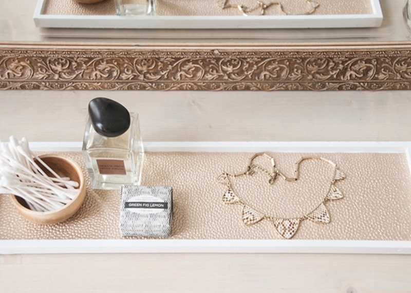 Picture Of chic and easy diy golden cosmetic tray  7