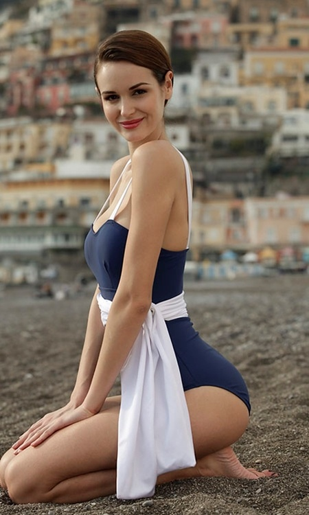 Chic And Timeless Nautical Swimsuits To Rock