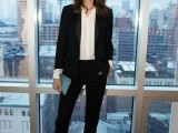 chic-black-and-white-work-outfits-for-girls-12