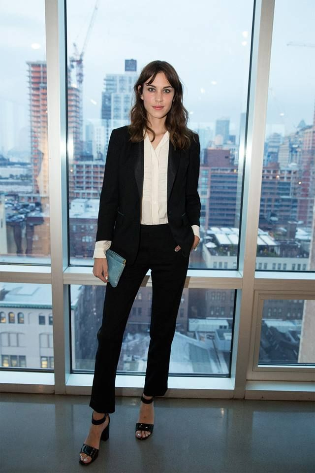 Picture Of chic black and white work outfits for girls  12