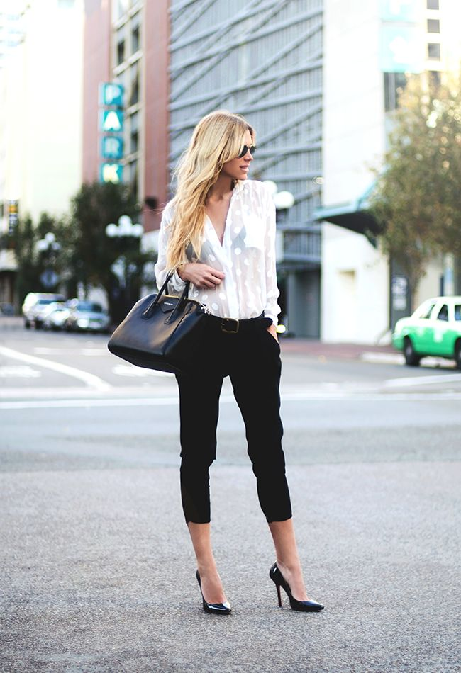 Picture Of chic black and white work outfits for girls  5