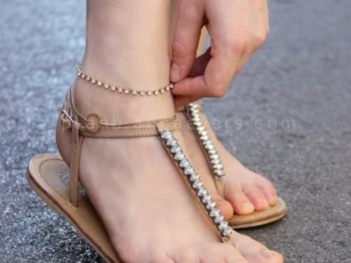 rhinestone chain anklet bracelet (via styleoholic)